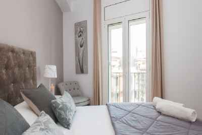 Spacious renovated apartment in the center of Barcelona